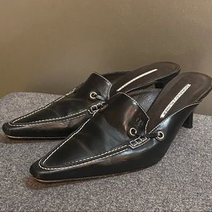 Donald J. Pliner Black Leather Kitten Mule